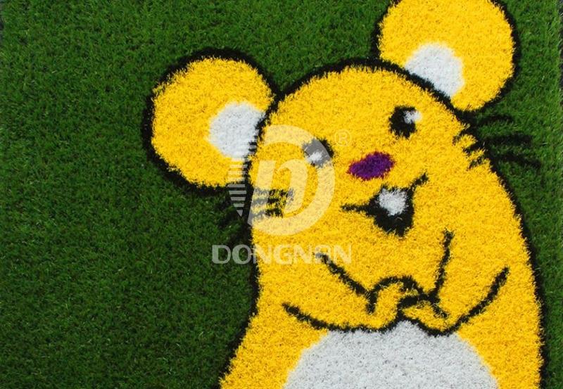 人造生肖鼠卡通草坪